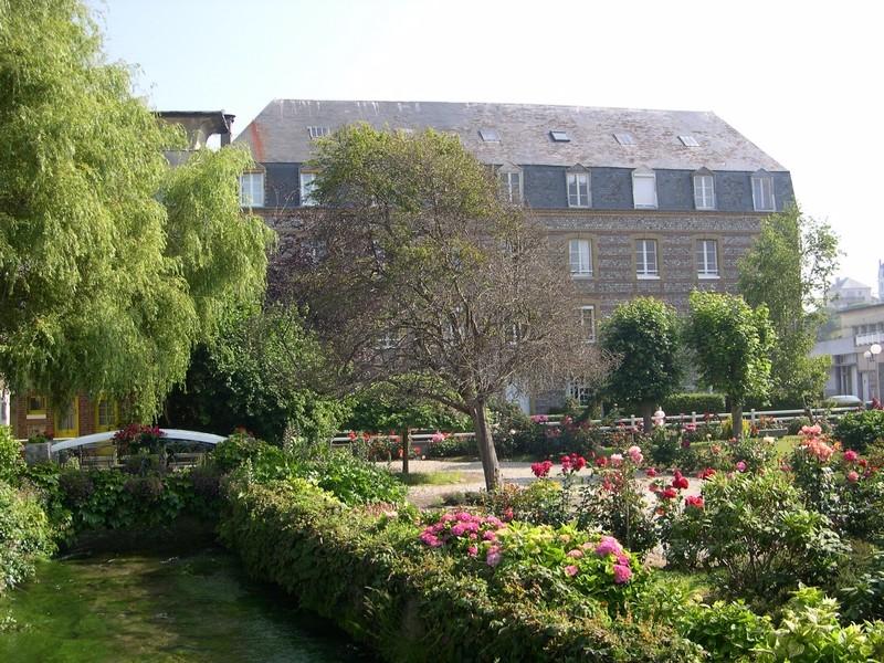 Legrand-Vue-village-Veules-les-Roses-01